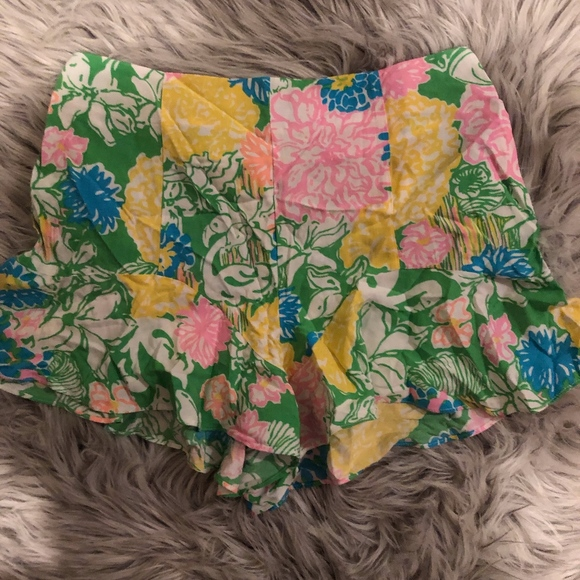 Lilly Pulitzer Pants - NEW lily pulitzer flowy shorts